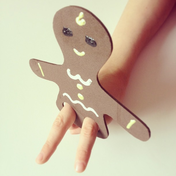 Gingerbread Finger Puppet | Doodles and Jots
